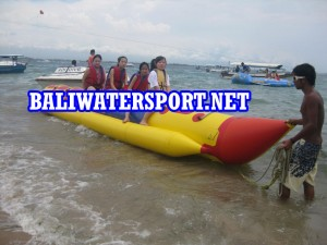 banana-boat-tanjung-benoa