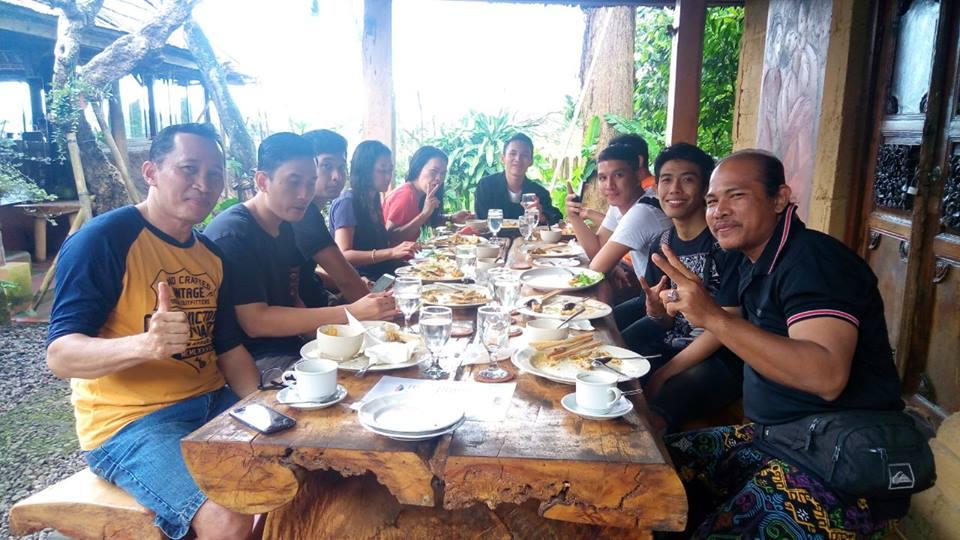 makan siang rafting sungai ayung