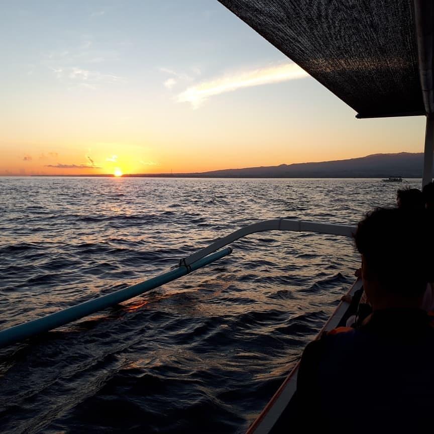 sunset di pantai lovina